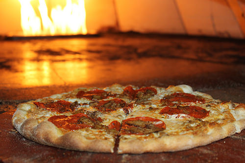 Craving Italian Fare Near Arbors at Arundel Preserve? Bring Your Whole Group to Squisito Pizza & Pasta